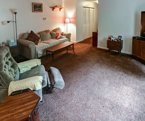Living Room, The Creekside Manor Apartments