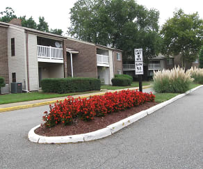 Landscaping, Wesleyan Courts Apartments