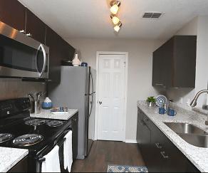 Kitchen, Clairmont Reserve Apartments