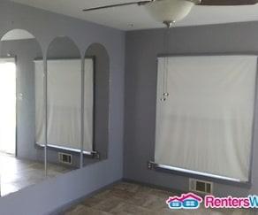 Living Room, 6517 Dogwood Rd