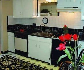 Kitchen, Beechwood Manor Apartments