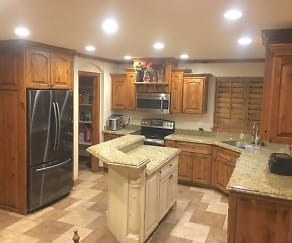 Kitchen, 520 E 1700 N