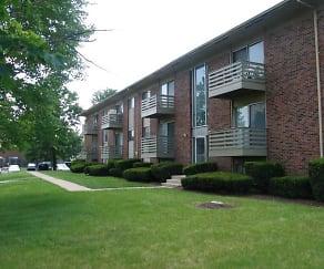 Building, Forest Park Apartments