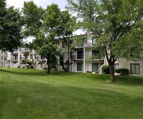 Building, Briar Oaks