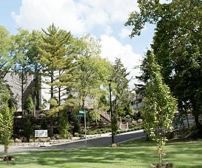 Worthington Gardens, Ecole Francaise, Columbus, OH