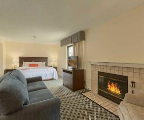 Bedroom, Residences at Daniel Webster