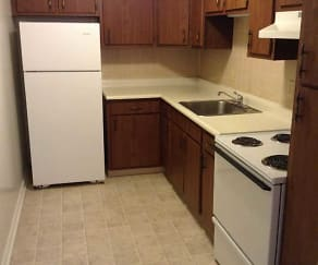 Kitchen, East Pointe Apartments