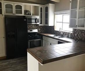 Kitchen, 440 Manhattan Ave