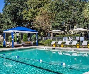Pool, ARIUM Mt. Pleasant