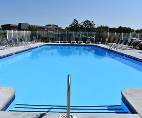 Pool, Northgate Apartment Homes