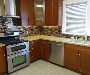 Kitchen, 4634 Congress Ave
