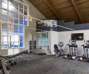 Fitness Weight Room, Evergreen Apartments at Riverfront Heights
