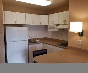 Kitchen, Furnished Studio - Milwaukee - Brookfield