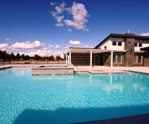 Pool, Harper Ridge Apartments