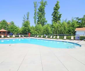 Pool, Legacy at Lanier