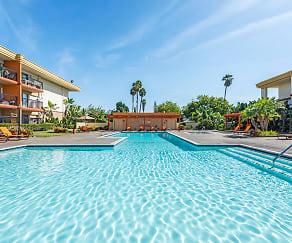 Pool, Crystal View
