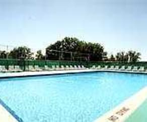 Pool, Colonial Village
