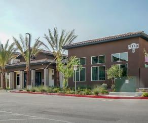 Building, Vue at Centennial
