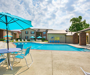 Pool, Woodrun Village