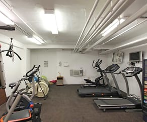 Fitness Weight Room, Kennilworth Apartments