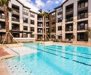 Pool, Lantower Alamo Heights