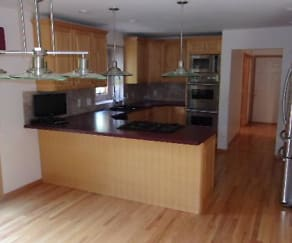 Kitchen, 4700 Botany Glenn