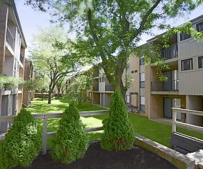 Building, Courtyards Of Kimberly