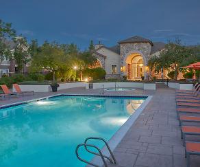 Pool, Legend Oaks