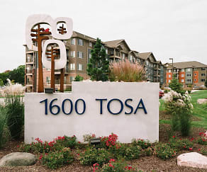 Building, 1600 Tosa