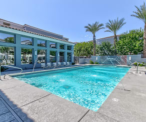 Pool, Avenue 25