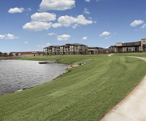 Lake, 98 Apartments