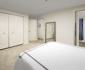 Bedroom, Creekside Apartments