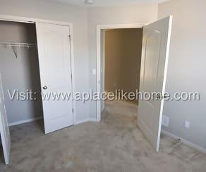 Bedroom, 9419 N Amoret Ave