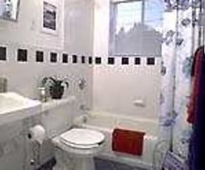 Bathroom, J.E. Furnished Apartments Quincy