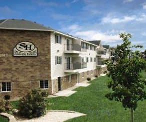 Building, Sterling Heights Apartment Community