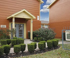 Leasing Office, Forest View Apartments/Baytown