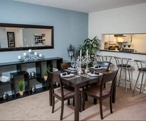 Dining Room, Goldelm at Metrowest