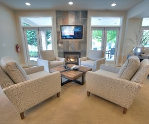 Living Room, Cascade View Apartments