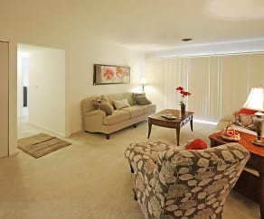 Living Room, Regency Park Apartments