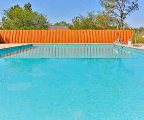 Pool, Summer Pointe Apartments