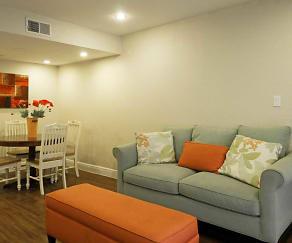 Living Room, Palmera Pointe