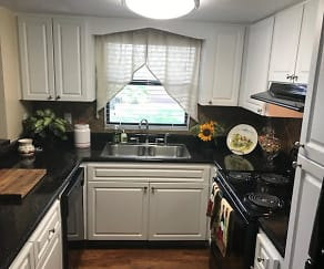 Kitchen, The Park at Parma
