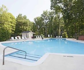 Pool, Princeton Circle