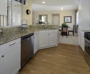 Kitchen, Baypointe