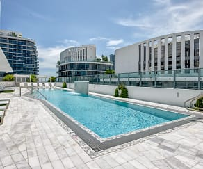 Pool, Solitair Brickell