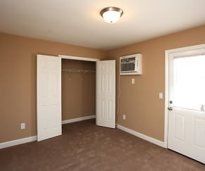 Bedroom, Forest Ridge