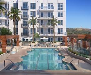 Pool, Modera Hollywood