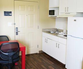 Kitchen, Furnished Studio - Chesapeake - Greenbrier Circle