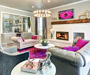 Wellington Apartments, 98383, WA