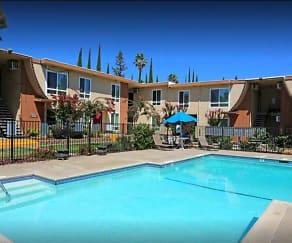 Pool, Magnolia Place